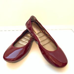 Me Too Patent Icon Ballet Flat womens 9